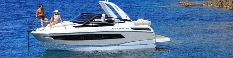 Leader 30 Speed boat for private excursion or charter in Dubrovnik