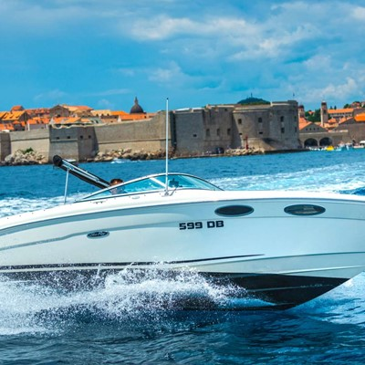 Dubrovnik : Yacht charter:Sea Ray 240 Sunsport