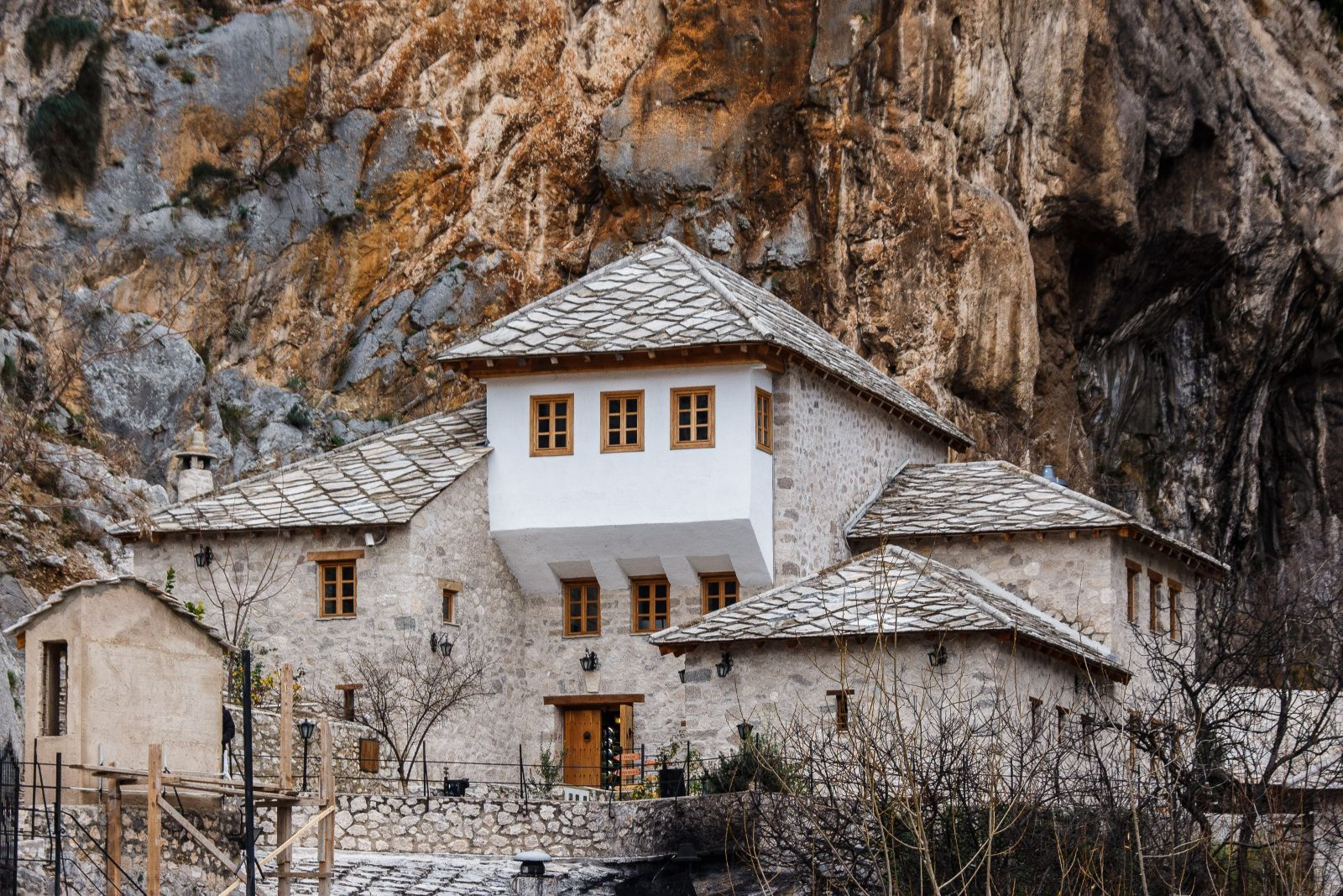 -images-excursions-clash-of-cultures-6-a-bosnian-house.jpg