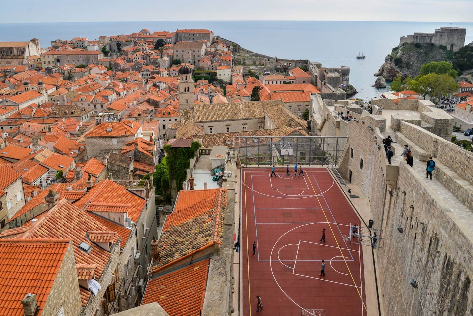 -images-excursions-discover-dubrovnik--12-dubrovnik-walking-tour-old-town-view-from-north.jpg