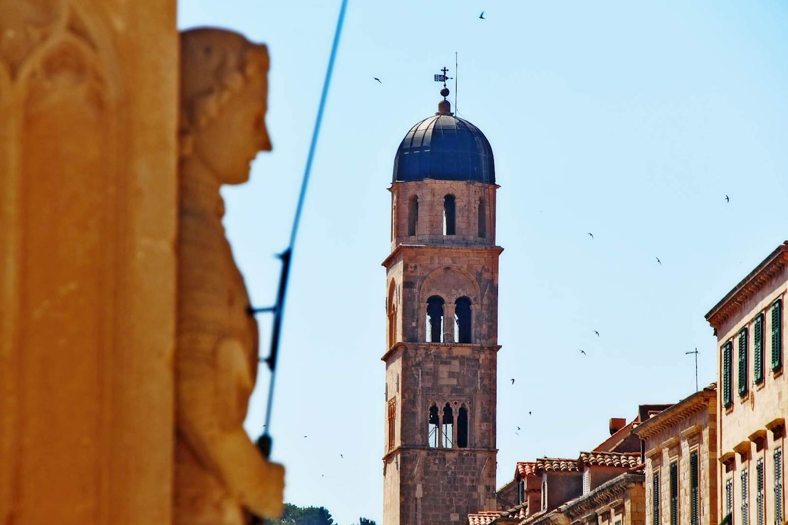-images-excursions-discover-dubrovnik--20-dubrovnik-old-town-orlando-statue-2.jpg