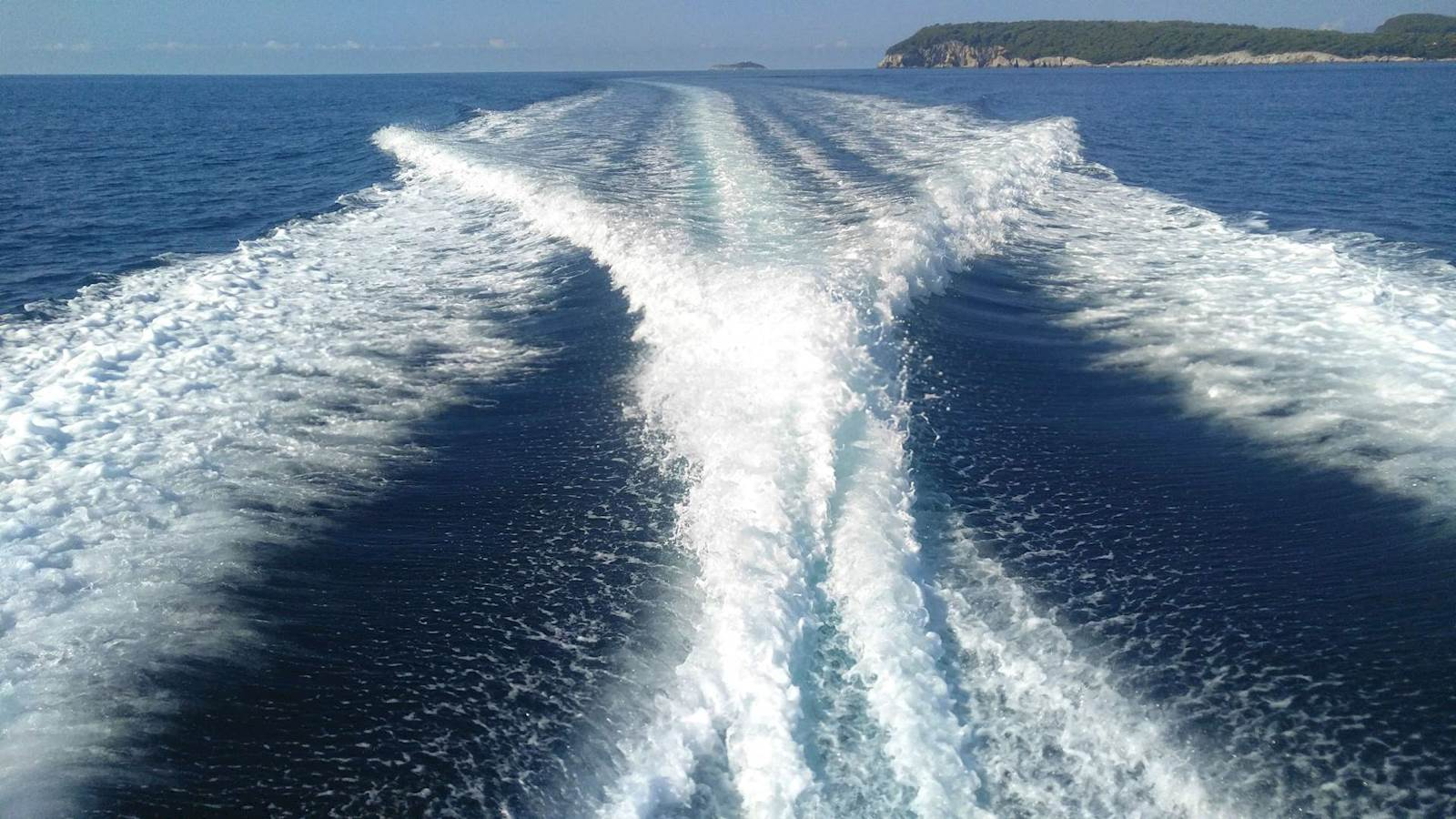-images-excursions-elaphite-islands-speed-boat-excursion--zy-03-private-boat-tour-dubrovnik-elafiti.jpg