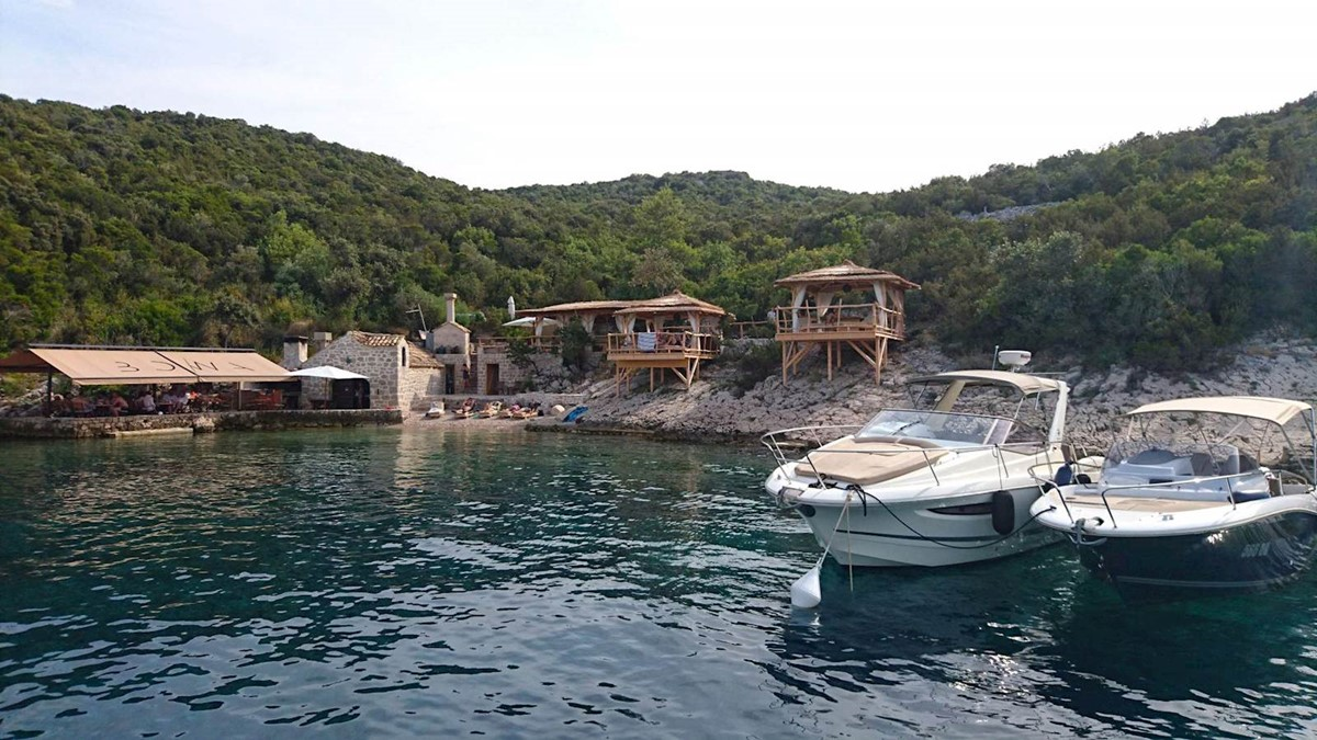 zy-04-private-boat-tour-dubrovnik-elafiti