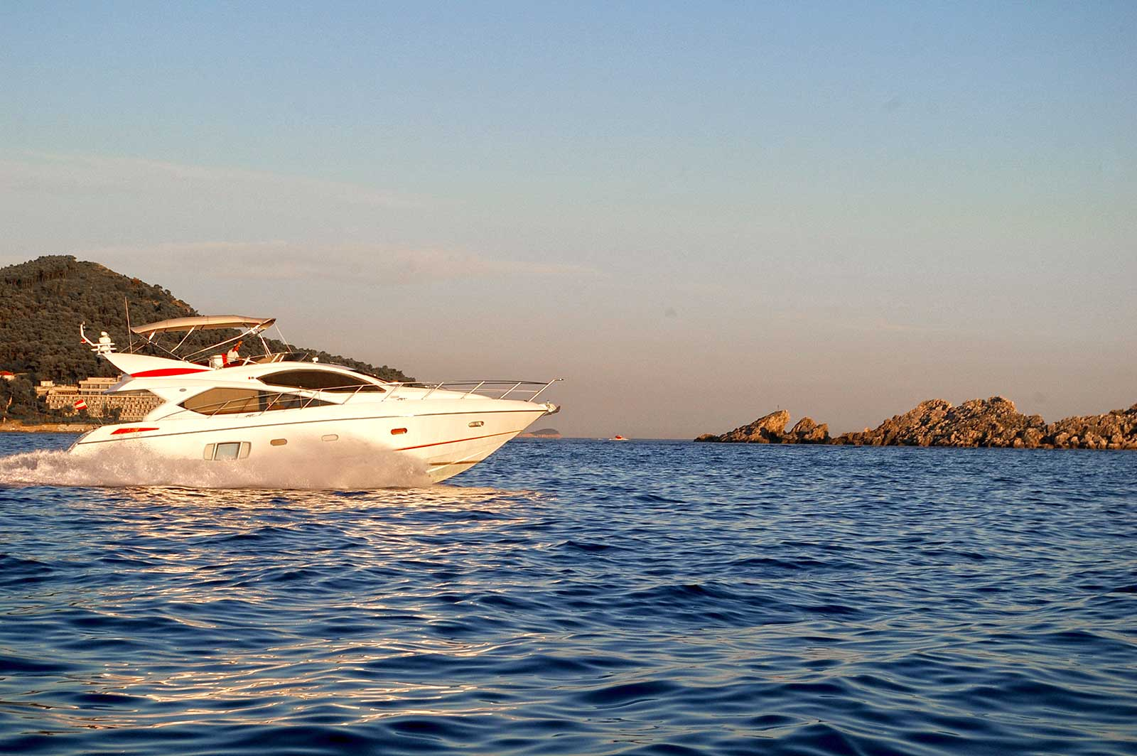 -images-excursions-elaphite-islands-speed-boat-excursion-sunseeker-charter-dubrovnik.jpg