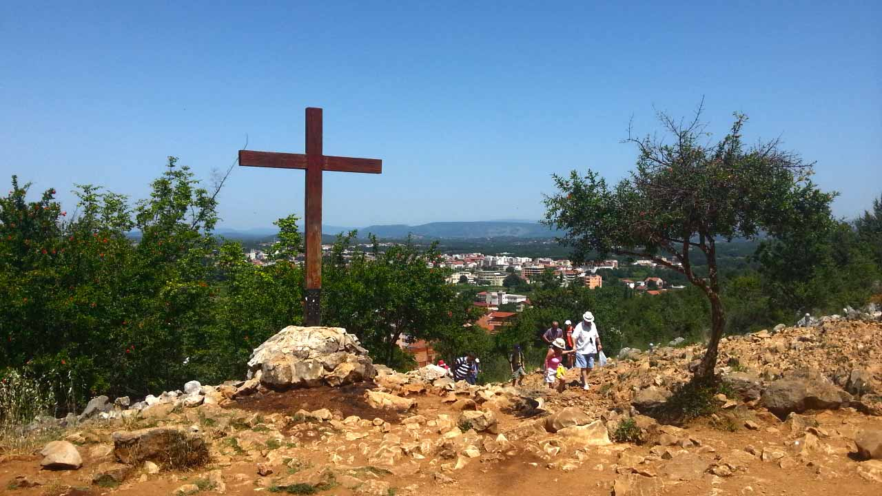 -images-excursions-medjugorje-medjugorje-the-hill-of-virgin-mary-wooden-cross.jpg