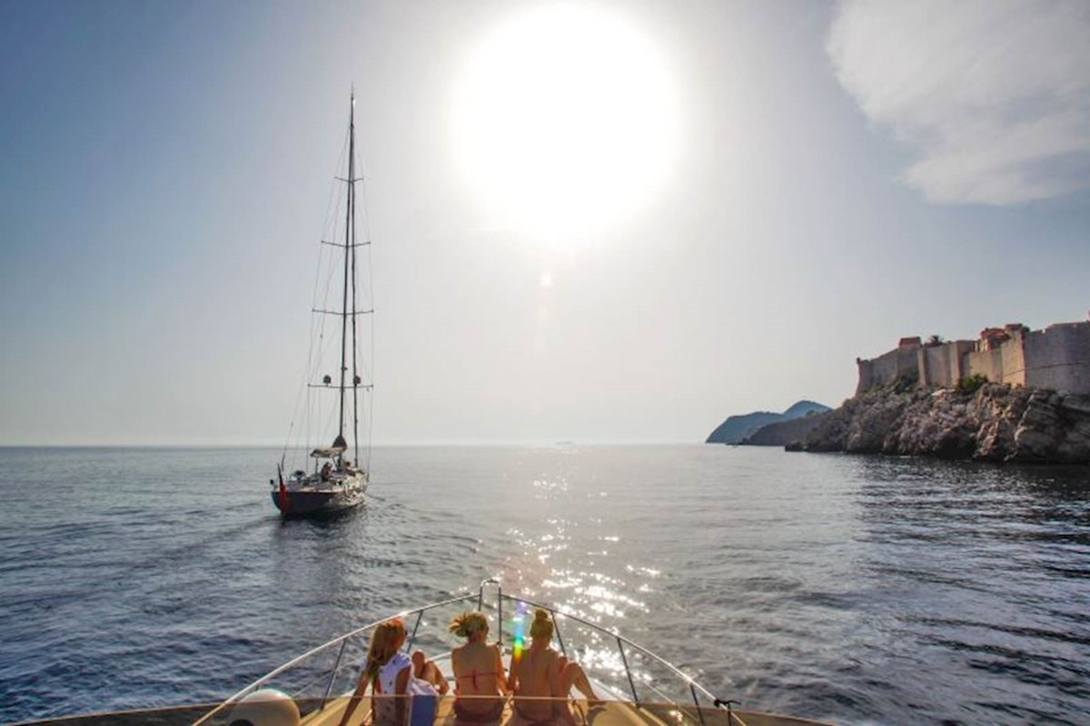 Dubrovnik to Montenegro with private yacht