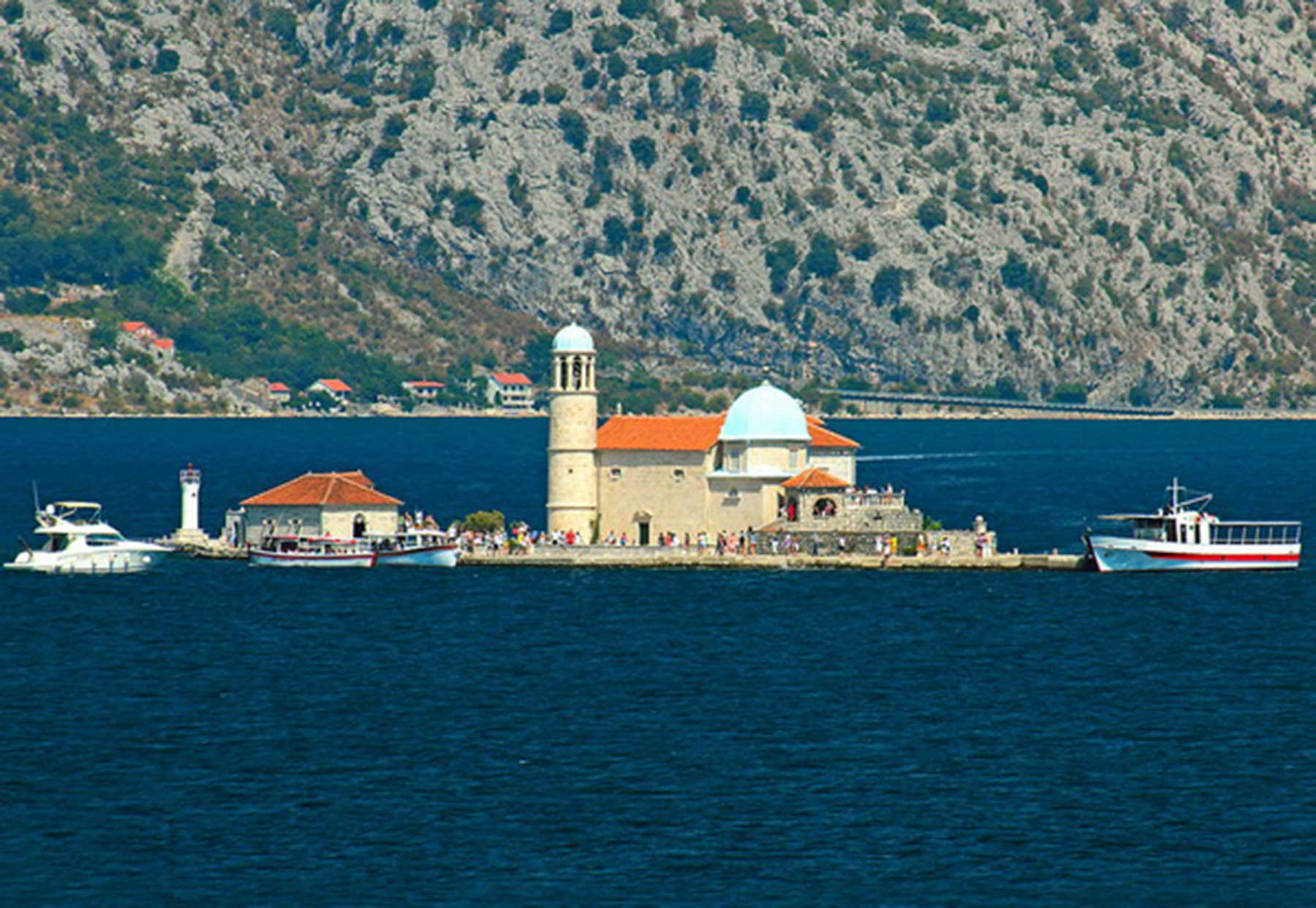 Private boat tour of Montenegro Boka bay from Dubrovnik