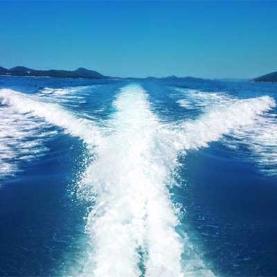 Private boat excursions & transfers