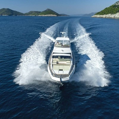 Dubrovnik : Yacht charter:66 Fly